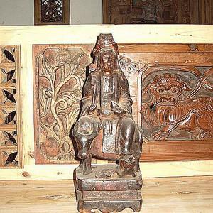 清代青牛神木雕塑