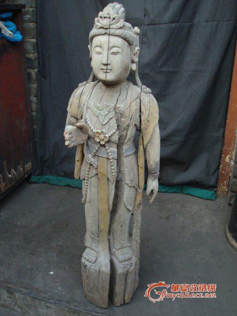 高年份木头彩绘佛像