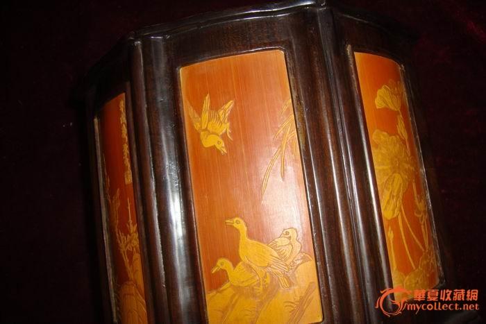 木雕镶竹黄浅浮雕笔筒