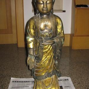 老件。包老的大铜佛。鎏金佛。高78.5厘米。重30斤。