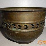 漂亮漏空铜罐