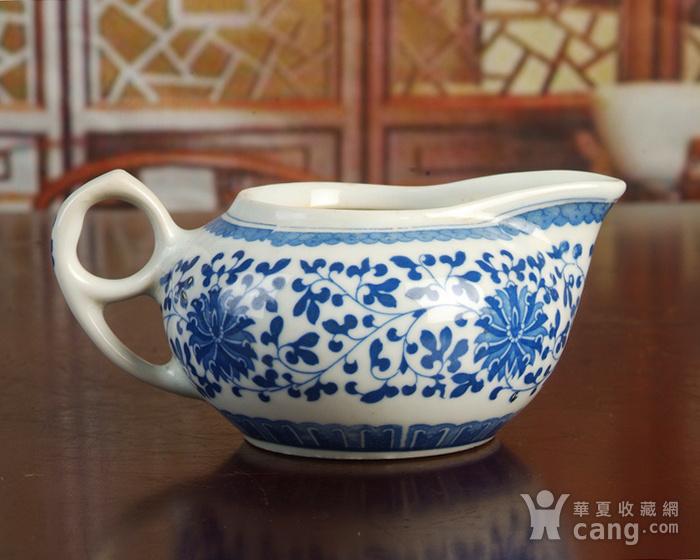 景德镇文革老厂瓷器/包老保真/出口瓷--青花玲花卉奶杯 公道杯图4