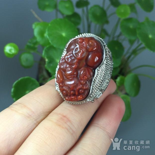 纯银镶嵌天然南红玛瑙貔貅戒指一枚