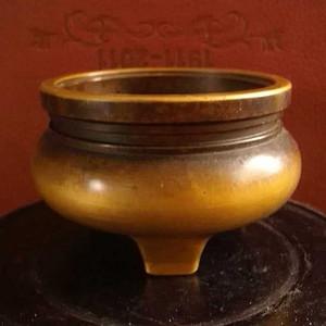 明飞云阁款铜香炉