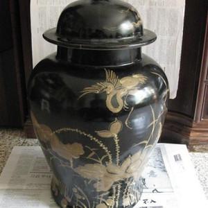 漂亮大气的明洪武紫金釉老将军罐。高53厘米