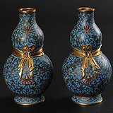 【精品重器】欧美回流 清十九世纪 铜胎掐丝珐琅缠枝花卉纹葫芦瓶一对