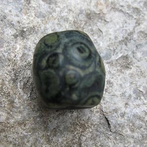 罕见九眼页岩 天然天眼天珠