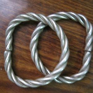 绳纹足银手镯