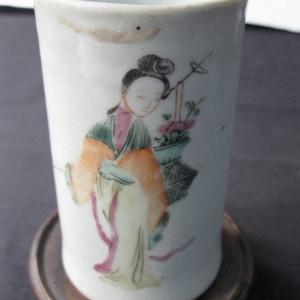 清 粉彩人物故事笔筒