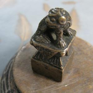 老铜雕狮纽印章