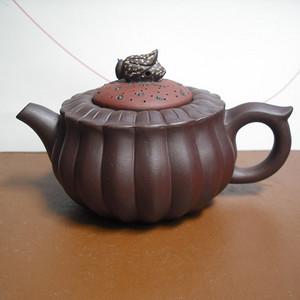 紫砂壶-陈顺仙制-双色蜂菊壶