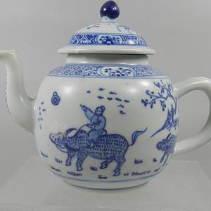 青花人物茶壶【联盟】