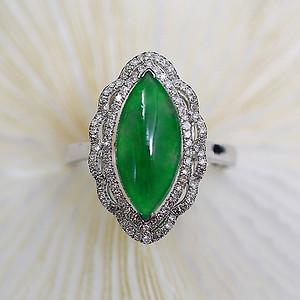 【典藏】天然翡翠冰种阳绿18K白金镶钻戒指