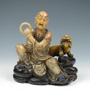 【精雕】 有年份寿山石雕伏虎罗汉