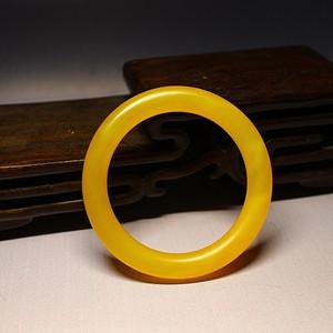 (压轴)57mm天然黄玛瑙手镯