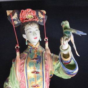瓷塑大师林伟东手塑精品  清皇家鹦鹉侍女