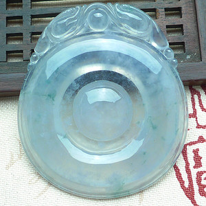 亏本拍卖翡翠A货高冰种掌上明珠挂件27.29g