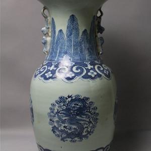 清代团龙团凤纹大花瓶