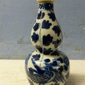 清晚期凤穿牡丹葫芦瓶