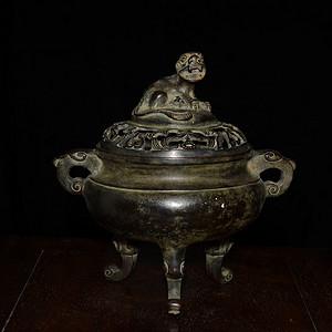 三足瑞兽铜香薰炉