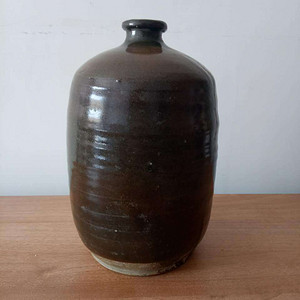 【联盟】清代单色釉旋纹小瓶