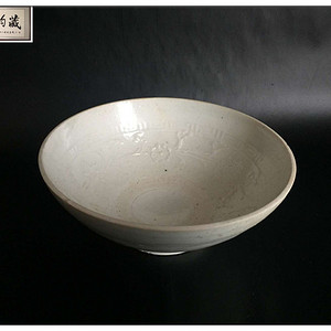 宋 精品白釉花卉纹碗