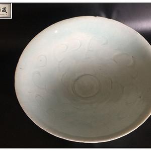 宋 天蓝釉篦纹大碗