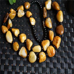 84.1克和田黄沁籽料原石项链