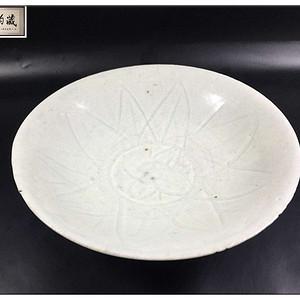 北宋 极美品几何纹坦腹碗