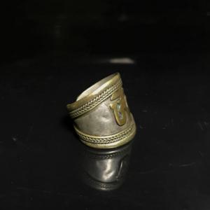 藏传回流百年老银戒指一枚