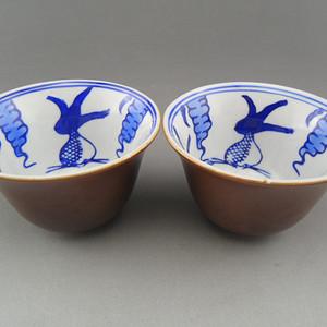 91.光民~紫金釉青花鱼藻纹铃铛杯(1)
