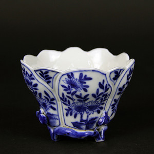 清晚期 花卉纹海棠杯