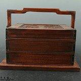 老的木雕食盒