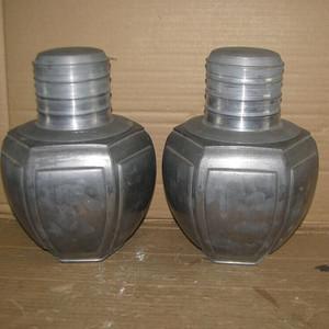 造型独特的老锡茶叶罐
