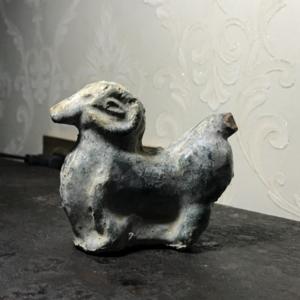 汉绿釉陶羊一只