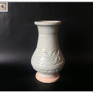 【宋瓷雅珍】宋 天蓝釉荷花赏瓶