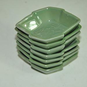 日本绿釉小瓷碗七个