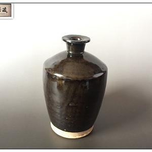 【古朴典雅】明 茶叶末釉折沿溜肩梅瓶