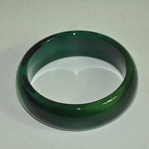 104.8克绿玛瑙手镯