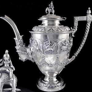 【收藏品】755克清代东南亚佛教题材纯银茶壶