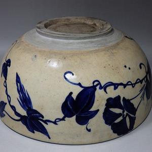 清代样蓝花卉内外绘画大碗