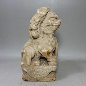 宋代汉白石雕狮子摆件
