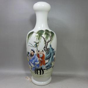 民国粉彩人物绘画蒜头瓶
