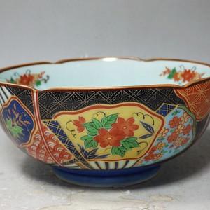 明治时期粉彩花卉内外绘画莲花边碗