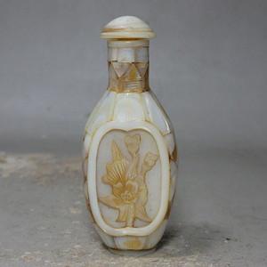清代贝壳雕刻鼻烟壶