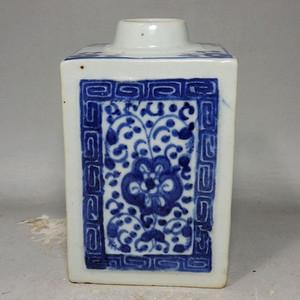 清代青花四面花卉绘画茶叶罐