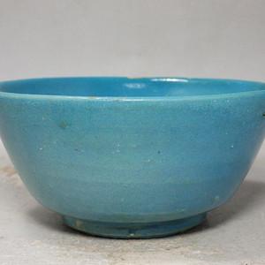 清代孔雀蓝釉碗