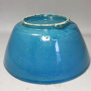 清代大号孔雀蓝釉碗