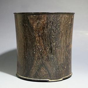 【金牌】老木雕大笔筒