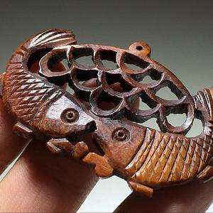珍贵  骨质 连年有余 挂件 手工雕刻 镂空透雕